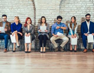 entrevista de trabajo, candidatos esperando
